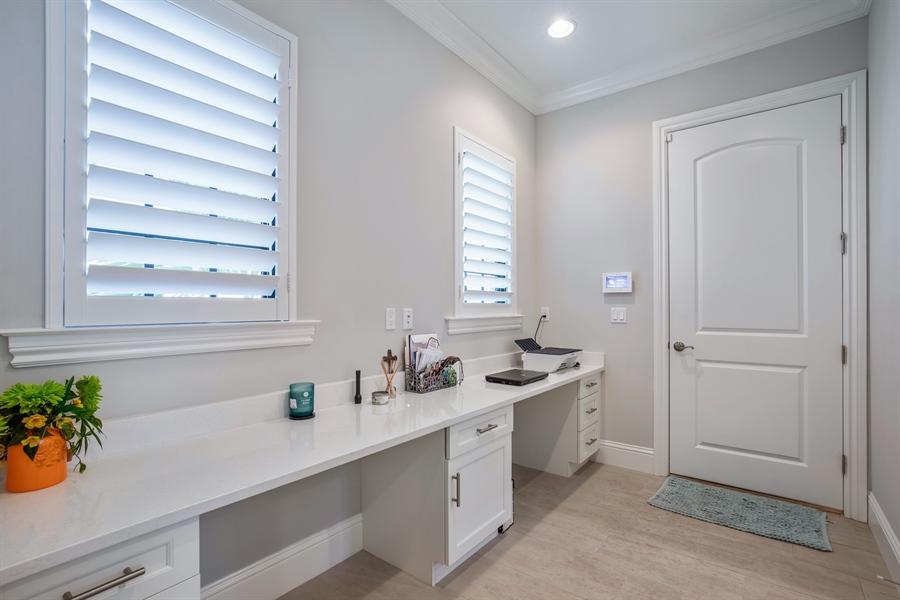 Real Estate Photography - 28886 Blaisdell, Naples, FL, 34119 - Hallway
