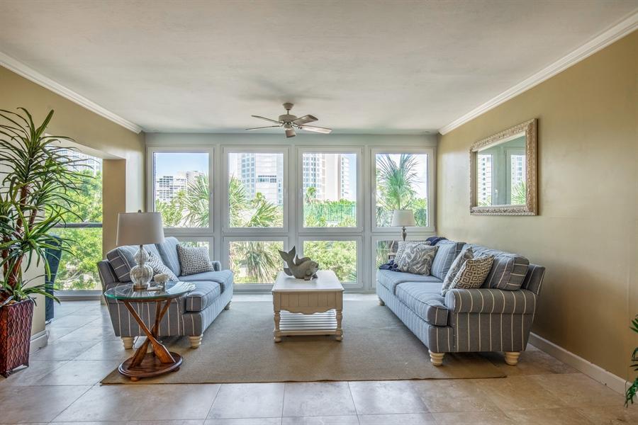 Real Estate Photography - 4031 Gulf Shore Blvd N, Unit 3C, Naples, FL, 34103 - Living Room