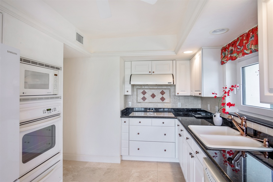 Real Estate Photography - 4031 Gulf Shore Blvd N, Unit 3C, Naples, FL, 34103 - Kitchen