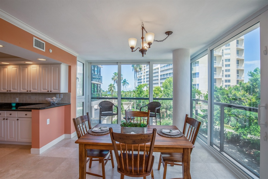 Real Estate Photography - 4031 Gulf Shore Blvd N, Unit 3C, Naples, FL, 34103 - Dining Room