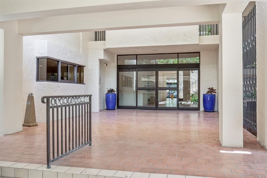Real Estate Photography - 4031 Gulf Shore Blvd N, Unit 3C, Naples, FL, 34103 - Entrance
