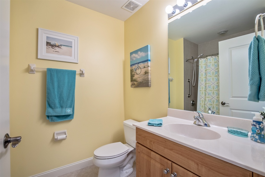 Real Estate Photography - 3901 kensway, unit 3501, Bonita Springs, FL, 34134 - 2nd Bathroom