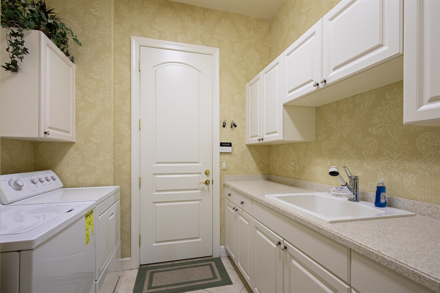 Real Estate Photography - 2955 Gardens Blvd, Naples, FL, 34105 - Laundry Room