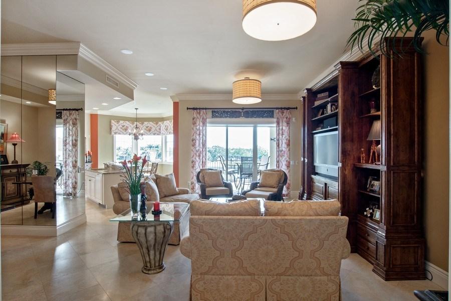 Real Estate Photography - 1400 Gulf Shore Blvd N, 309, Naples, FL, 34102 - Living Room