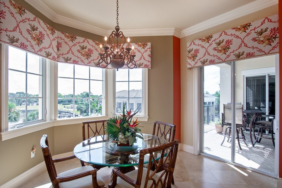 Real Estate Photography - 1400 Gulf Shore Blvd N, 309, Naples, FL, 34102 - Dining Area