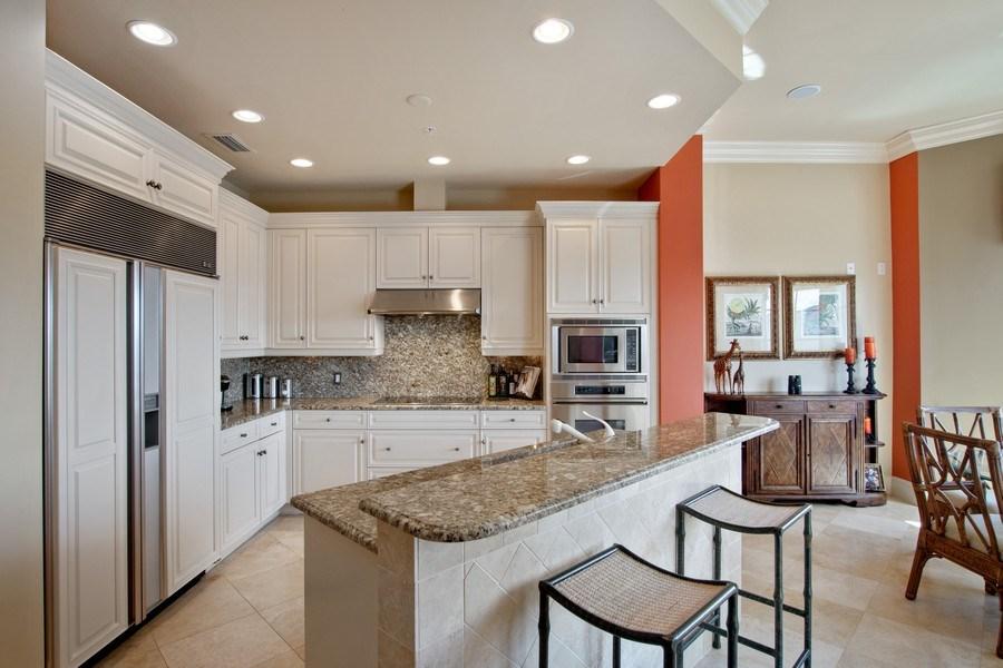 Real Estate Photography - 1400 Gulf Shore Blvd N, 309, Naples, FL, 34102 - Kitchen