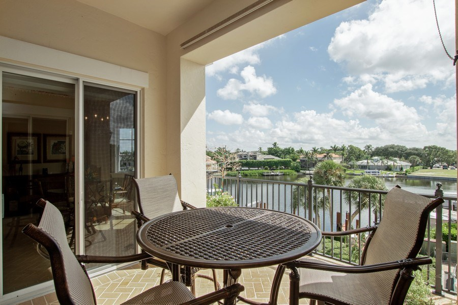 Real Estate Photography - 1400 Gulf Shore Blvd N, 309, Naples, FL, 34102 - Patio
