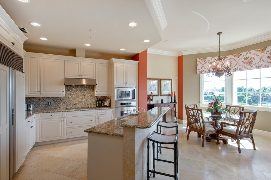 Real Estate Photography - 1400 Gulf Shore Blvd N, 309, Naples, FL, 34102 - Kitchen / Dining Room