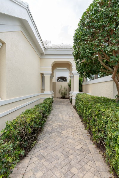 Real Estate Photography - 15283 Devon Green, Naples, FL, 34110 - Entryway