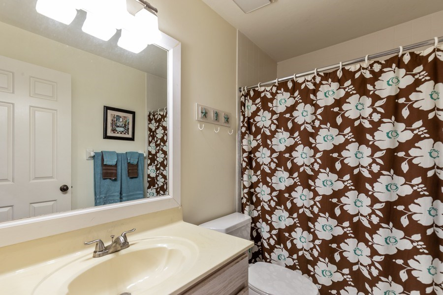 Real Estate Photography - 5895 Chanteclair, Unit 128, Naples, FL, 34108 - 2nd Bathroom