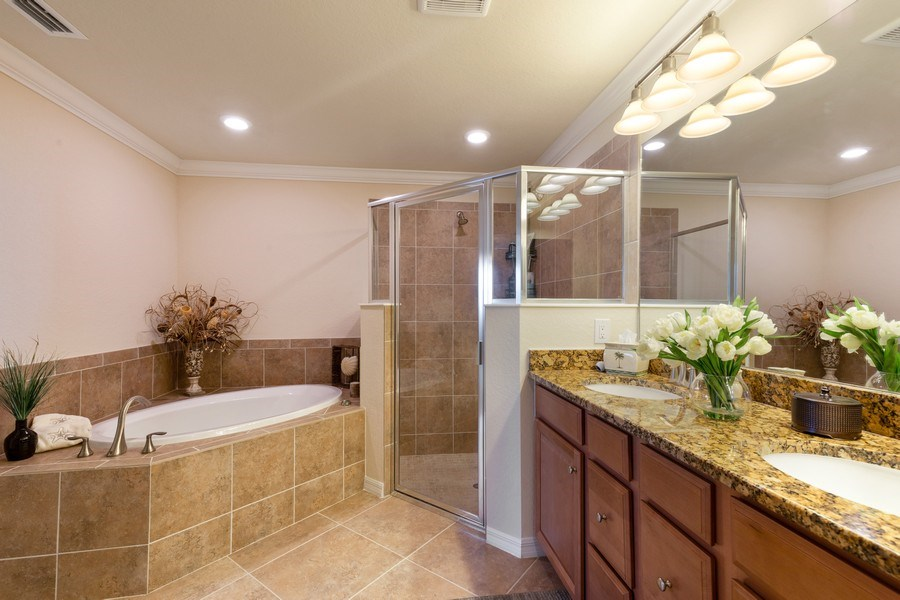 Real Estate Photography - 28040 COOKSTOWN CT 2801, BONITA SPRINGS, FL, 34135 - Master Bathroom