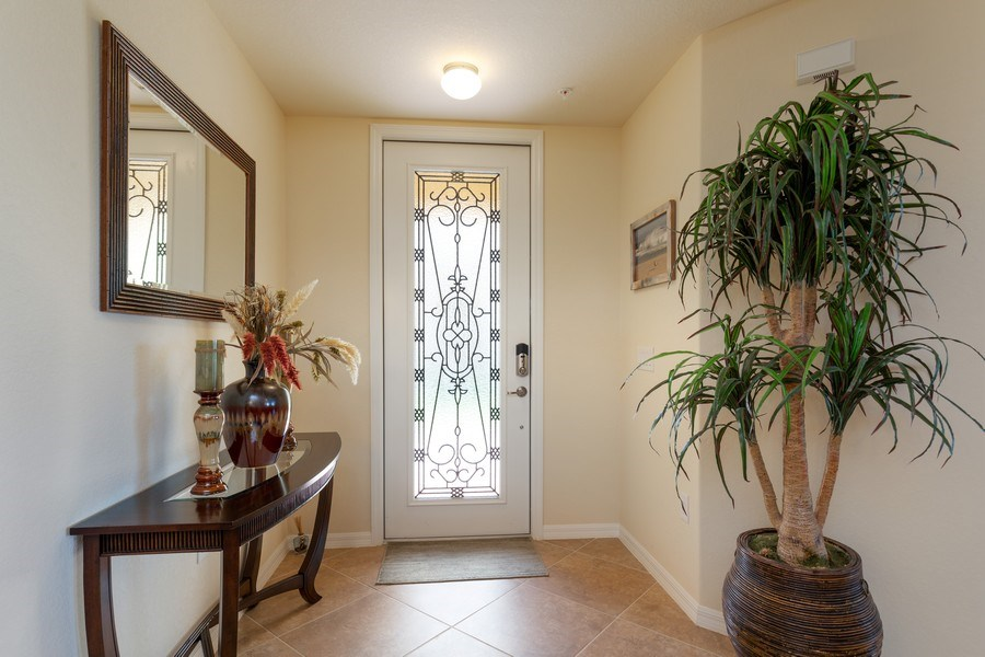 Real Estate Photography - 28040 COOKSTOWN CT 2801, BONITA SPRINGS, FL, 34135 - Foyer