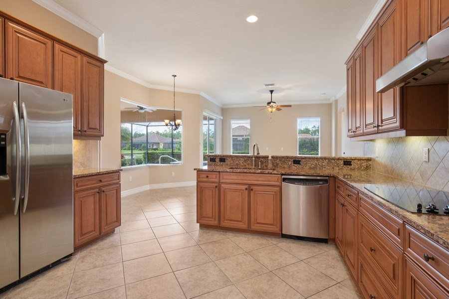 Real Estate Photography - 20982 TORRE DEL LAGO ST, ESTERO, FL, 33928 - Kitchen