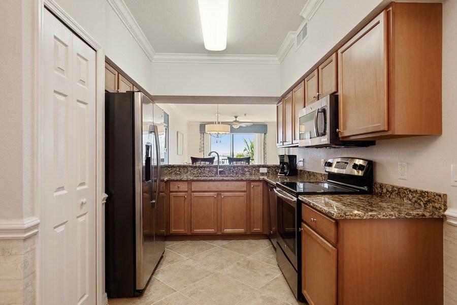 Real Estate Photography - 17921 Bonita National Blvd, #224, Bonita Springs, FL, 34135 - Kitchen