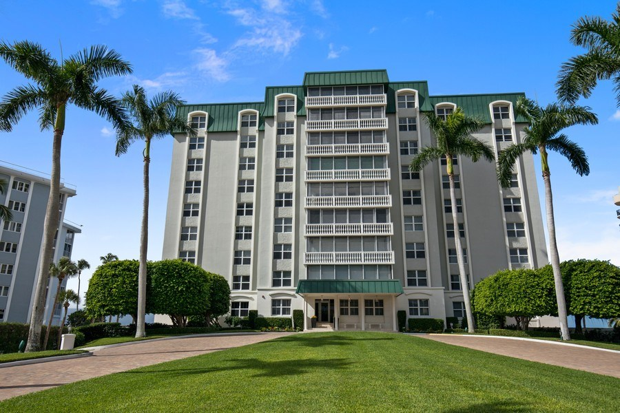 Real Estate Photography - 3003 Gulf Shore Blvd N,, Unit 103, Naples, FL, 34103 - Front View