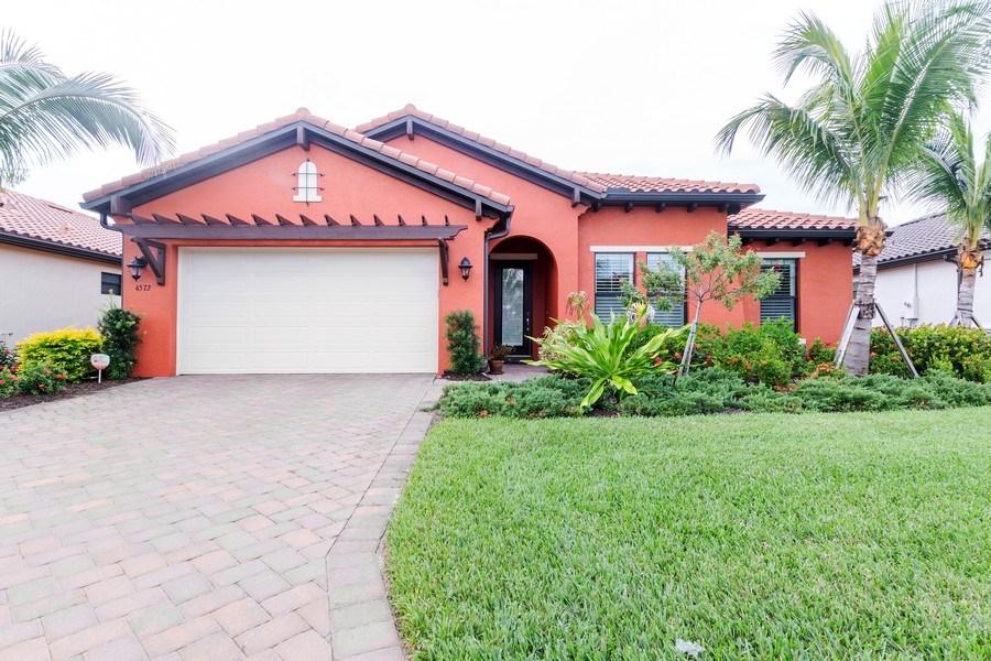 Real Estate Photography - 4572 Tamarind Way, (Raffia Preserve), Naples, FL, 34119 - Front View
