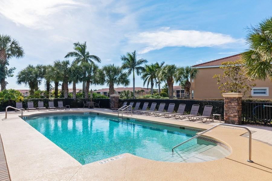 Real Estate Photography - 10317 Heritage Bay Blvd, Unit 1427, Naples, FL, 34120 - Pool
