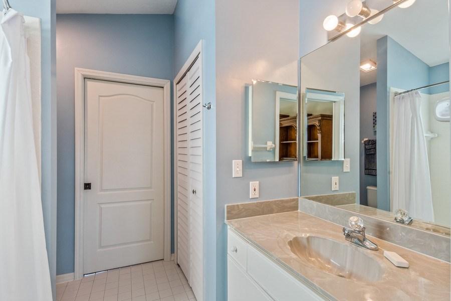 Real Estate Photography - 1542 Weybridge Cir, Naples, FL, 34110 - Bathroom