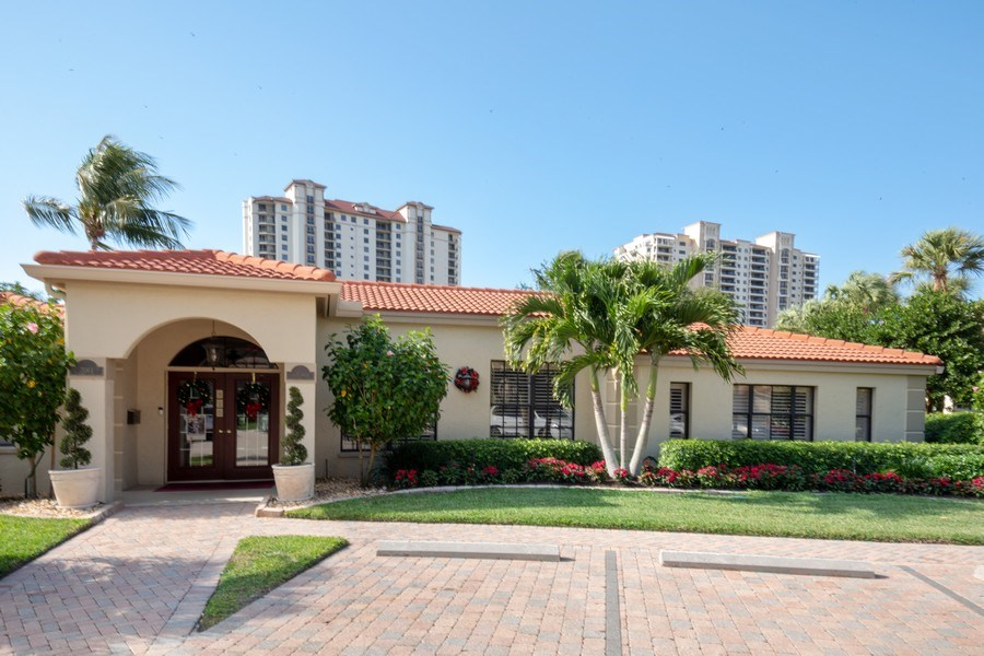 Real Estate Photography - 7008 Pelican Bay Blvd, H204, Naples, FL, 34108 - Clubhouse
