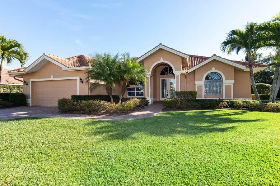Real Estate Photography - 2077 Imperial Circle, Naples,, FL, 34110 - Front View