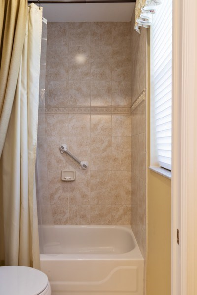 Real Estate Photography - 2077 Imperial Circle, Naples,, FL, 34110 - 2nd Bathroom