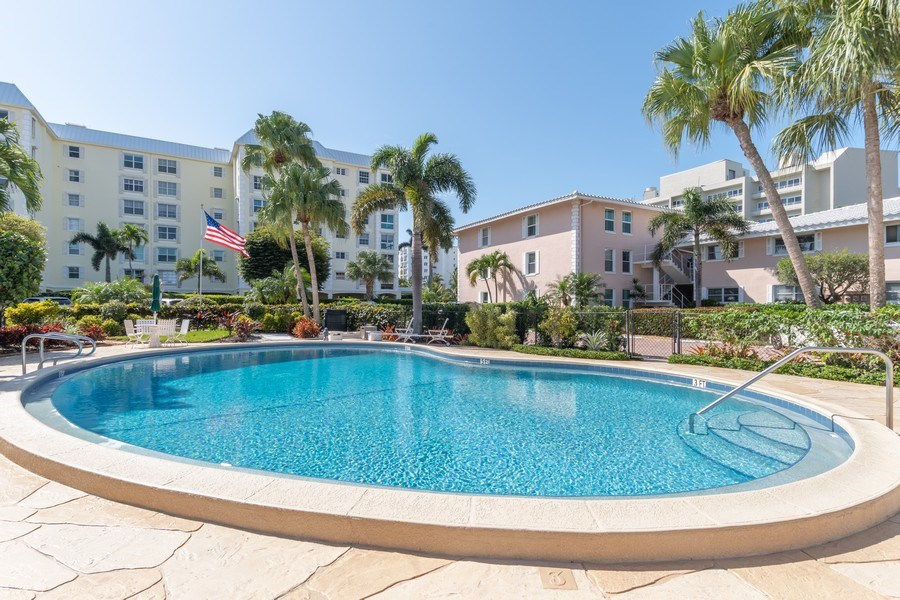 Real Estate Photography - 1910 Gulf Shore Blvd N, 106, Naples, FL, 34102 - Pool