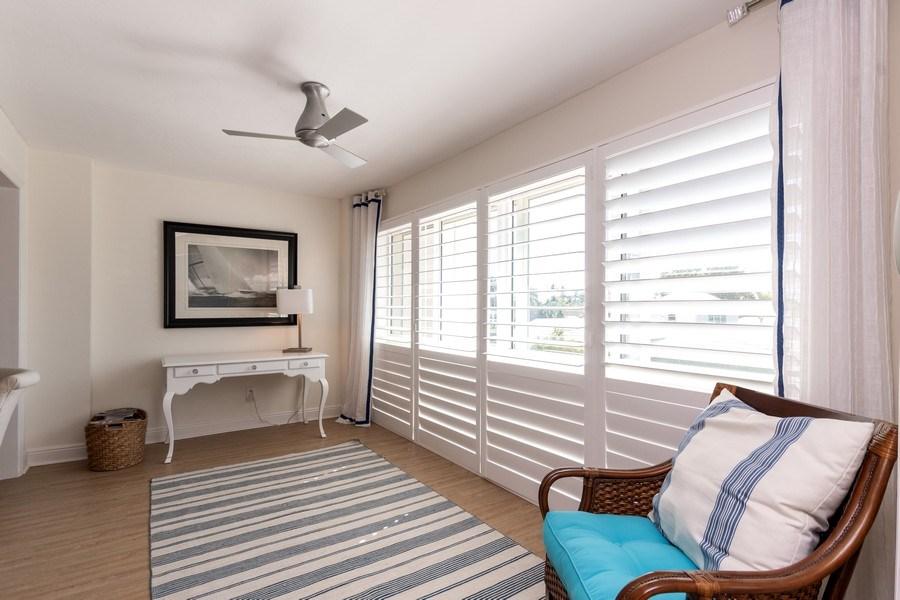 Real Estate Photography - 1900 Gulf Shore Blvd N, 104, Naples, FL, 34102 - Lanai