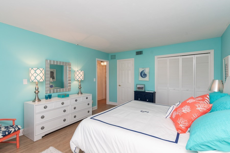 Real Estate Photography - 1900 Gulf Shore Blvd N, 104, Naples, FL, 34102 - Bedroom