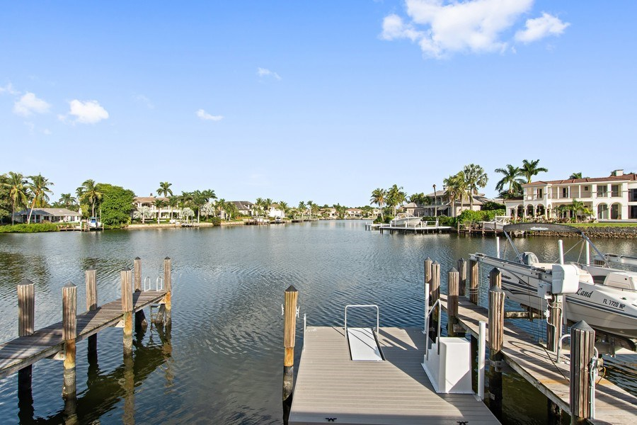 Real Estate Photography - 1900 Gulf Shore Blvd N, 104, Naples, FL, 34102 - Pool