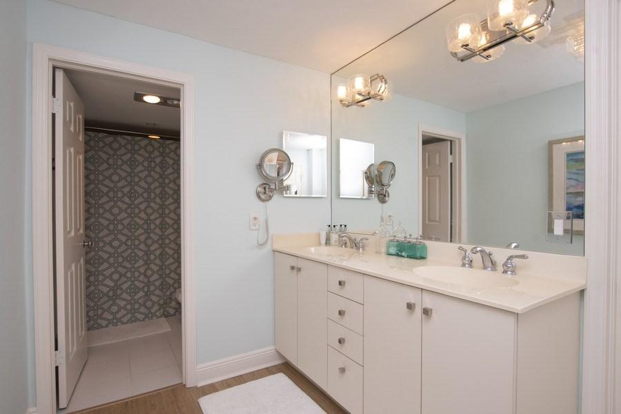 Real Estate Photography - 1900 Gulf Shore Blvd N, 104, Naples, FL, 34102 - Master Bathroom