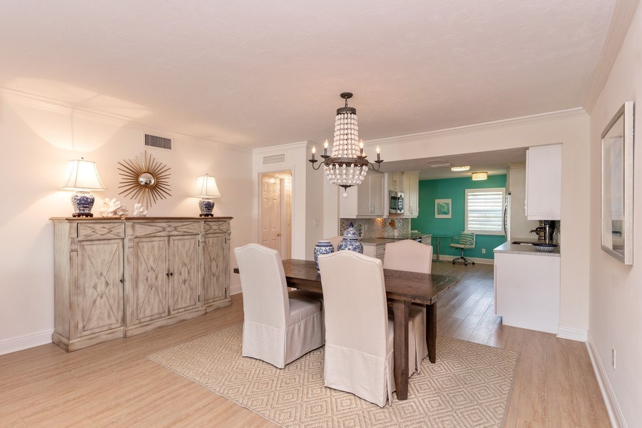 Real Estate Photography - 1900 Gulf Shore Blvd N, 104, Naples, FL, 34102 - Dining Room