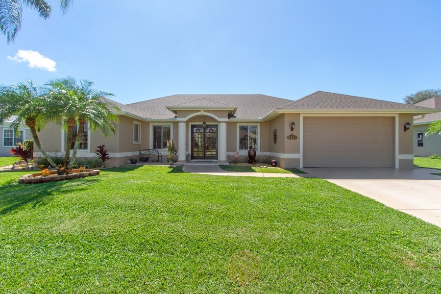 Real Estate Photography - 2118 Imperial Cir, Naples, FL, 34110 - Front View