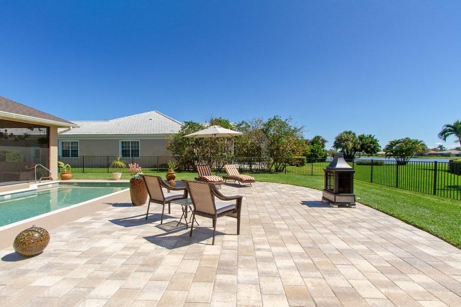 Real Estate Photography - 2118 Imperial Cir, Naples, FL, 34110 - Patio
