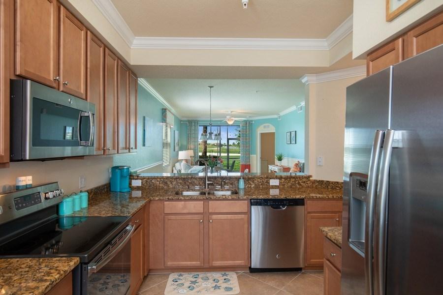Real Estate Photography - 17971 Bonita National Blvd. #611, Bonita National, FL, 34135 - Kitchen
