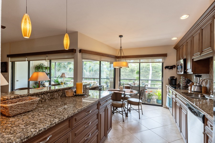Real Estate Photography - 929 8th Ave S, Naples, FL, 34102 - Kitchen