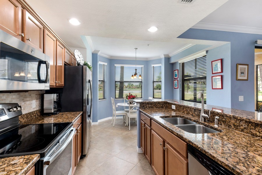 Real Estate Photography - 17941 BONITA NATIONAL BLVD 316, BONITA SPRINGS,, FL, 34135 - Kitchen