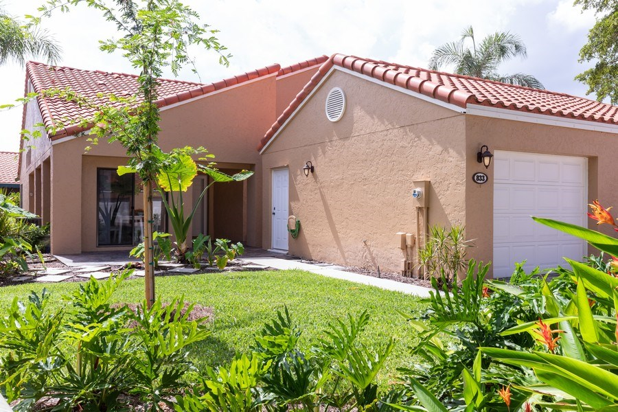 Real Estate Photography - 833 Reef Point Circle, Naples, FL, 34108 - Front View