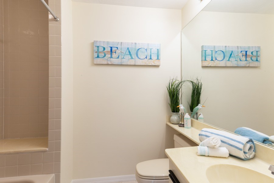 Real Estate Photography - 833 Reef Point Circle, Naples, FL, 34108 - 2nd Bathroom