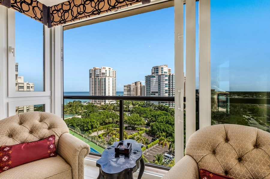 Real Estate Photography - 4031 Gulf Shore Blvd, N PH2D, Naples, FL, 34103 - Sitting Area