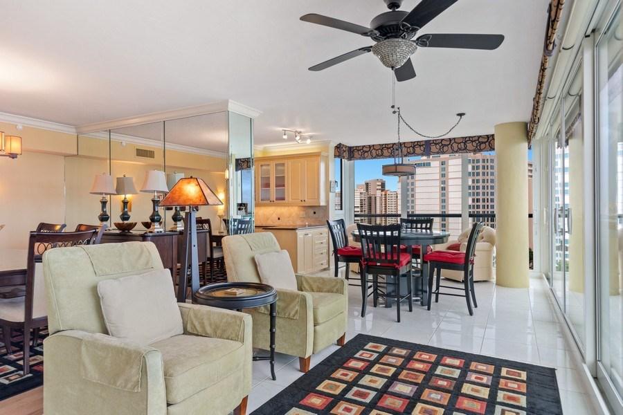 Real Estate Photography - 4031 Gulf Shore Blvd, N PH2D, Naples, FL, 34103 - Sitting Room