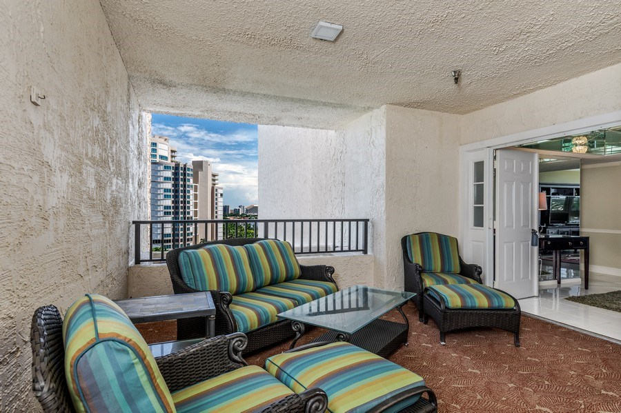 Real Estate Photography - 4031 Gulf Shore Blvd, N PH2D, Naples, FL, 34103 - Private Terrace
