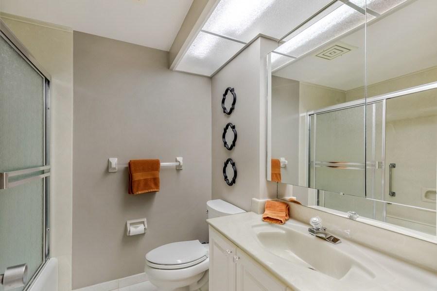 Real Estate Photography - 4031 Gulf Shore Blvd, N PH2D, Naples, FL, 34103 - 2nd Bathroom