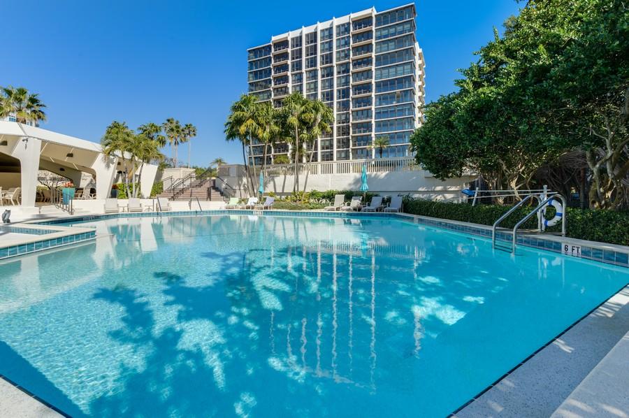 Real Estate Photography - 4031 Gulf Shore Blvd, N PH2D, Naples, FL, 34103 - Communty Pool