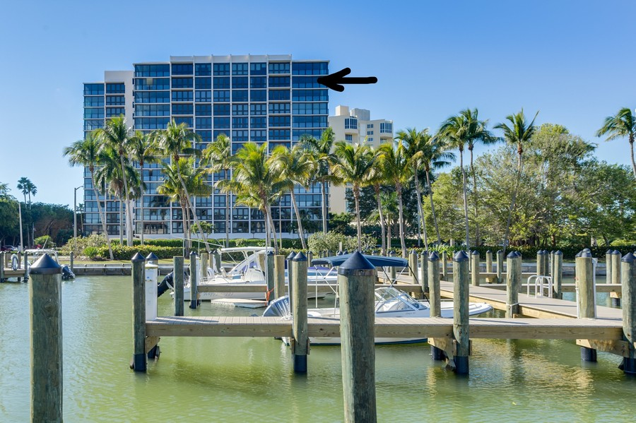 Real Estate Photography - 4031 Gulf Shore Blvd, N PH2D, Naples, FL, 34103 - Docks can be leased