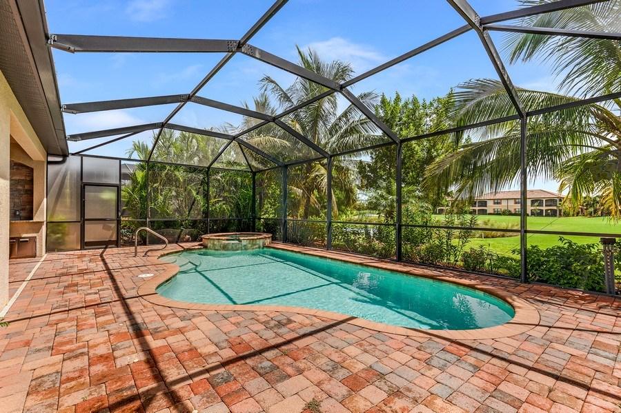 Real Estate Photography - 28537 Westmeath ct, Bonita Springs, FL, 34235 - Pool