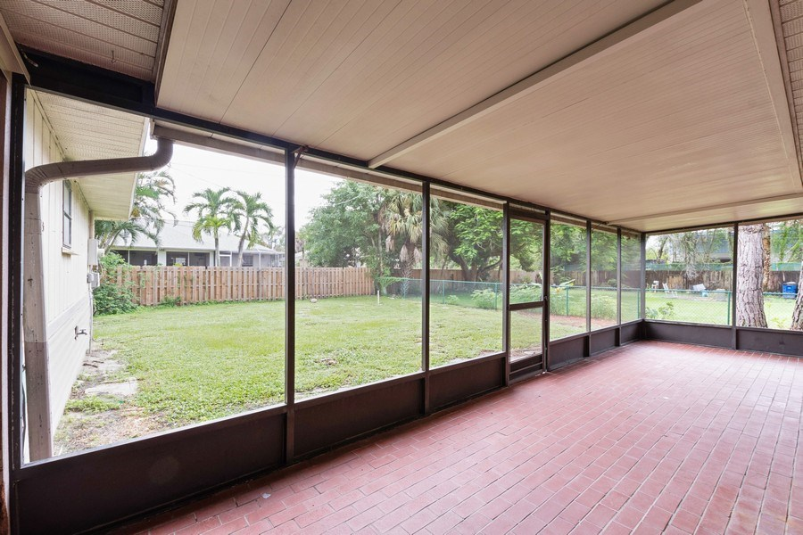 Real Estate Photography - 27983 Temple Terr Dr, Bonita Springs, FL, 34135 - Patio
