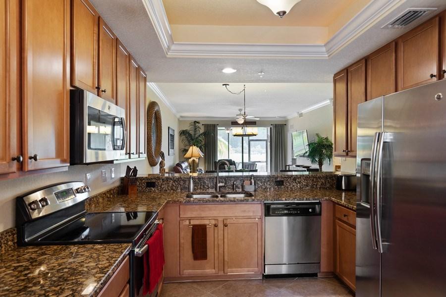 Real Estate Photography - 17970 BONITA NATIONAL BLVD, 1815, BONITA SPRINGS, FL, 34135 - Kitchen