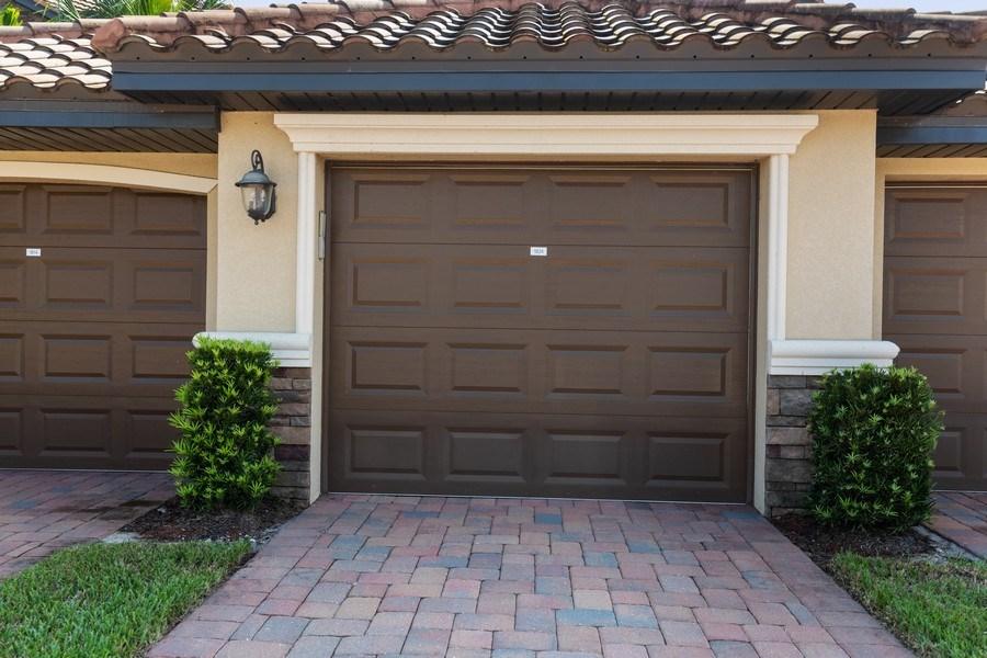 Real Estate Photography - 17970 BONITA NATIONAL BLVD, 1815, BONITA SPRINGS, FL, 34135 - Garage