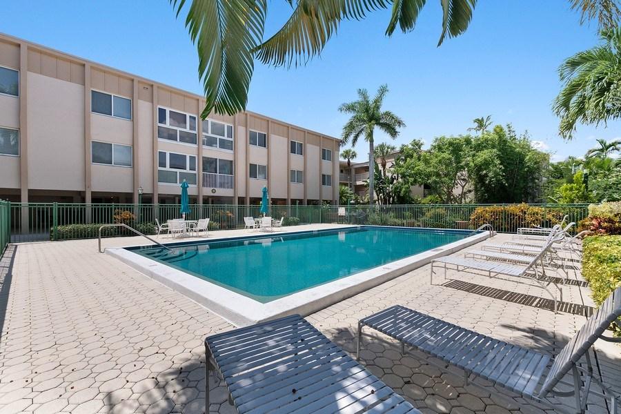 Real Estate Photography - 1930 Gulf Shore Blvd N, B201, Naples, FL, 34102 - Pool