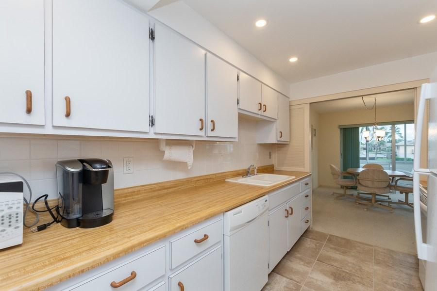 Real Estate Photography - 3410 Gulf Shore Blvd N, 202, Naples, FL, 34103 - Kitchen